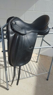 Defiance Professional 17″ Saddle